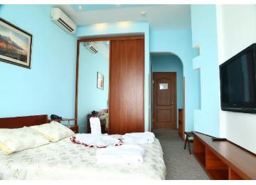 Гостиничный комплекс «Majestic» / «Маджестик» Апартамент 2-местный 2-комнатный