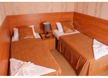 Стандарт 3-местный  2-комнатный с кондиционером