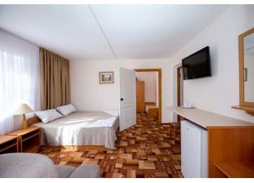 Стандарт 4-местный  2-комнатный с кондиционером (комфорт)