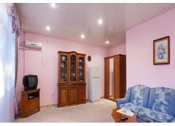 Санаторий Полтава-Крым Люкс 2-местный 2-комнатный с видом на море (корп.4)